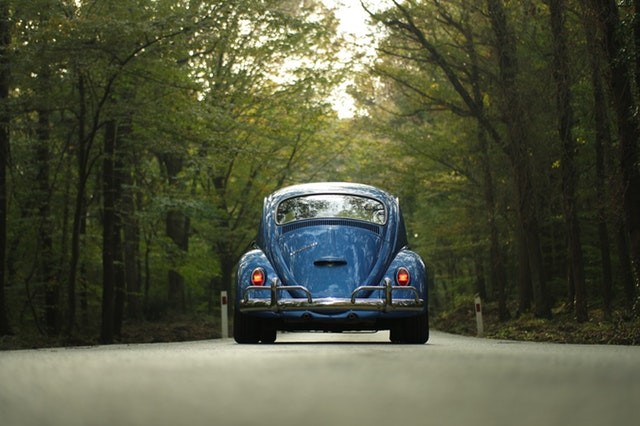 5 Regeln für den Rücken - bei einer langen Autofahrt