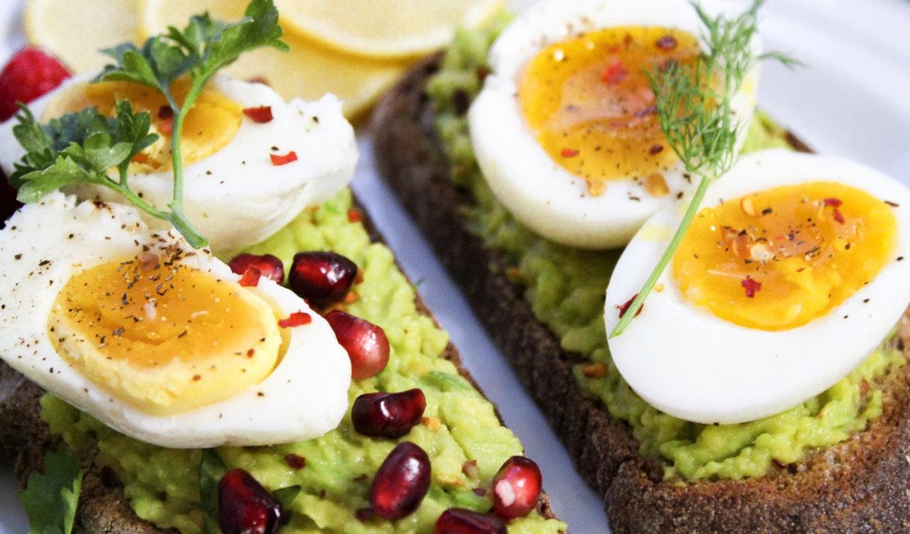 Ganze Eier essen oder nur das Eiklar? - Fit mit gesunden Nährstoffen